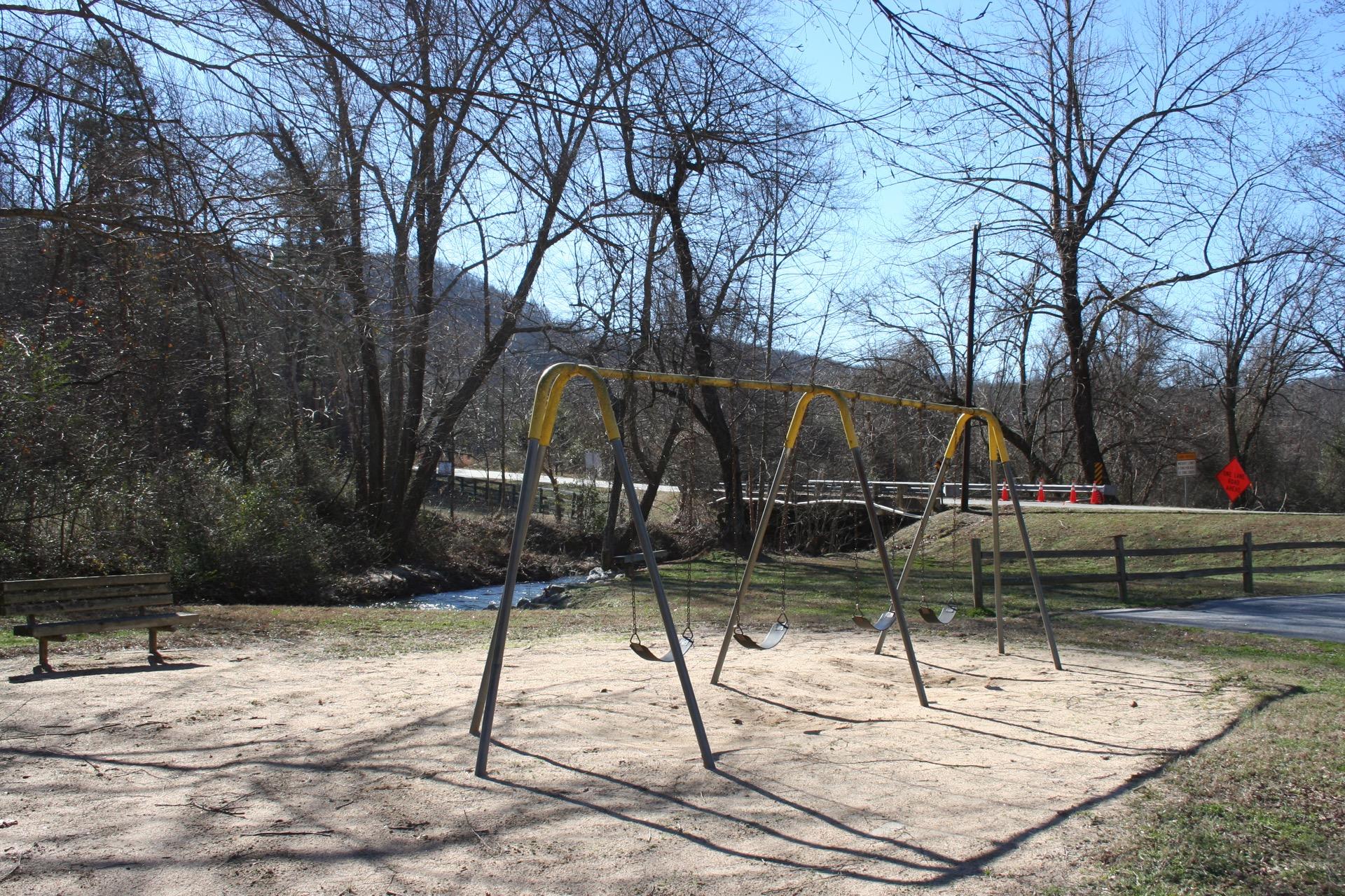 les mullinax playground