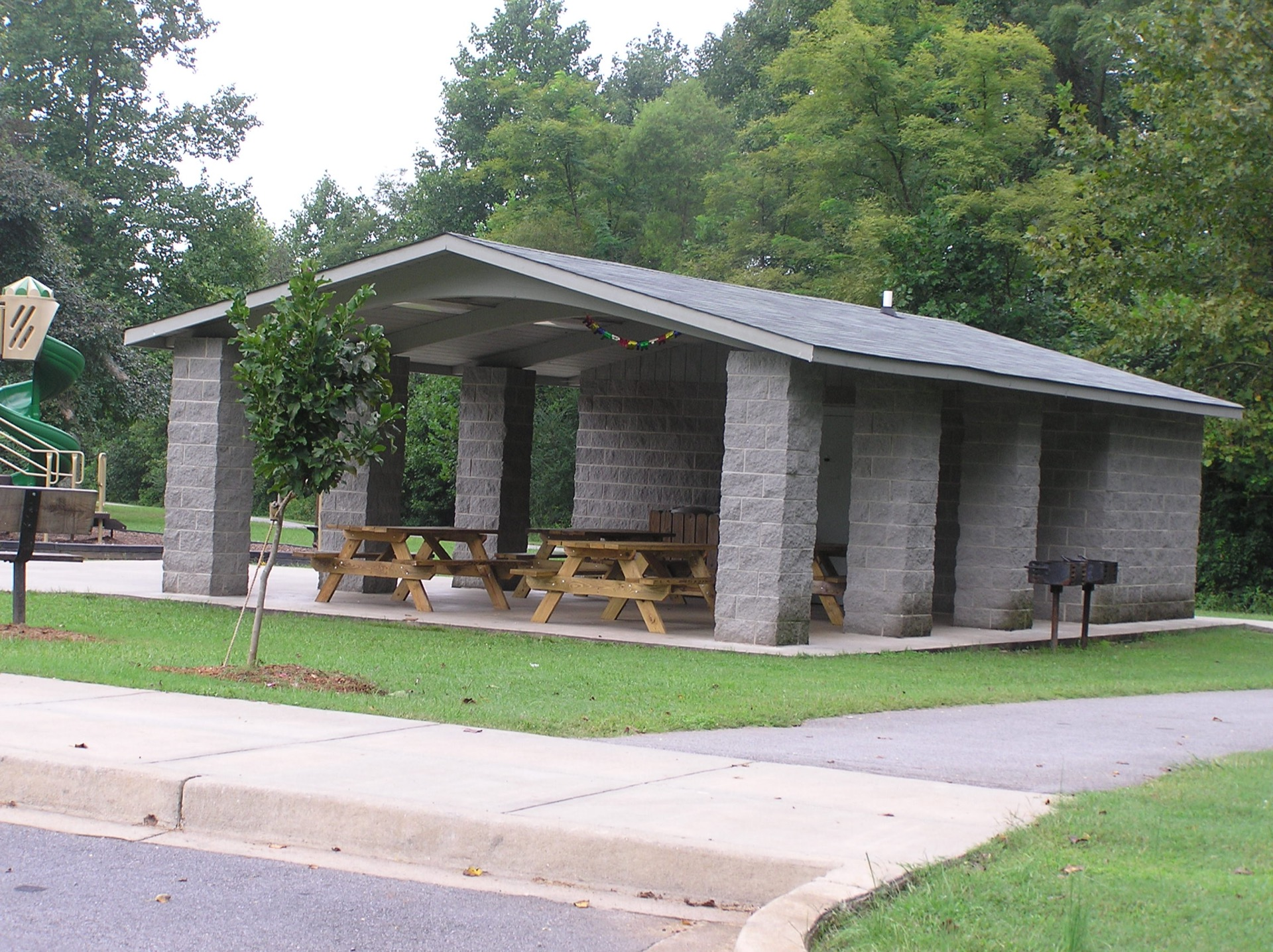 Poinsett Park shelter